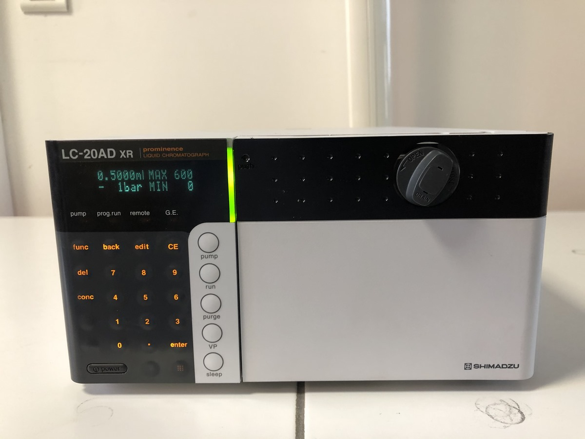CAP LAB ANALYTIQUES LC 20AD XR 1